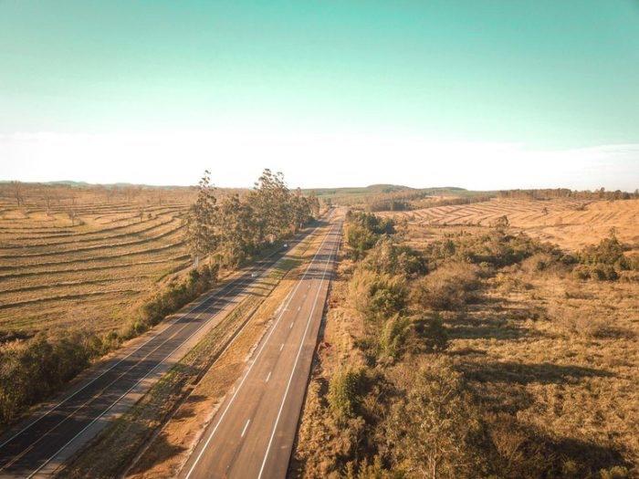 Governo Bolsonaro libera mais 8,7 km de pista duplicada da BR-116/RS
