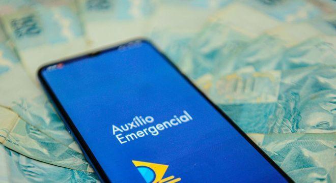 Auxílio emergencial injeta 20 bilhões no comércio e ajuda Brasil na recuperação pós-pandemia