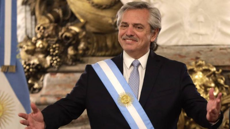 Governo Argentino, via decreto, congela várias tarifas e assusta mercado financeiro
