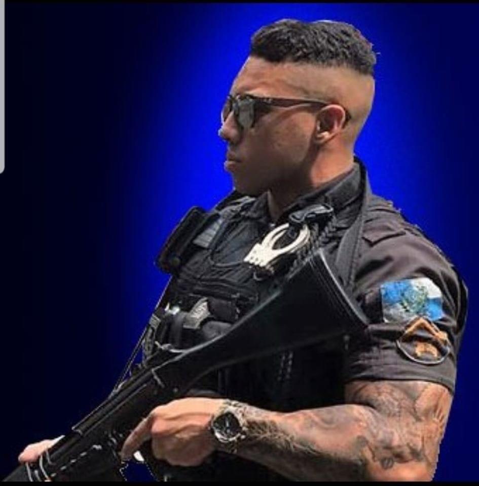 VÍDEO: Após alegar ter sido expulso da PM injustamente, Gabriel Monteiro vai até Tenente Coronel pedir explicações