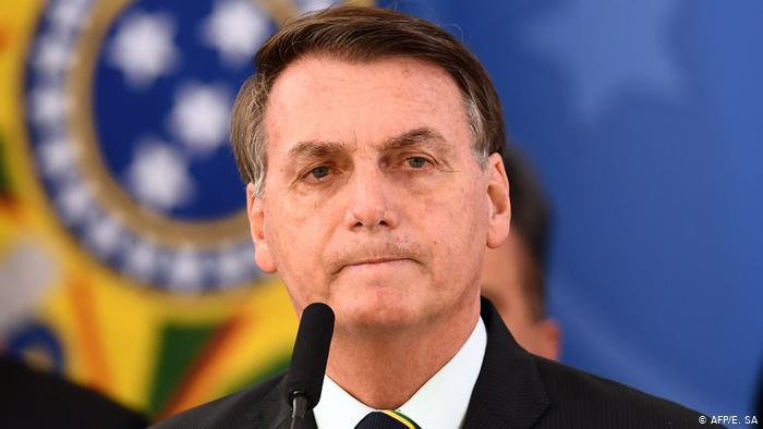 Bolsonaro diz que estado está 'inchado' e defende o teto de gastos