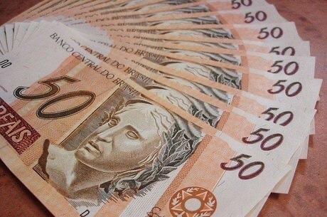 Receita paga terceiro lote da restituição do Imposto de Renda