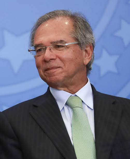 Paulo Guedes nega rumores sobre saída do Governo e confia que teto de gastos será cumprido