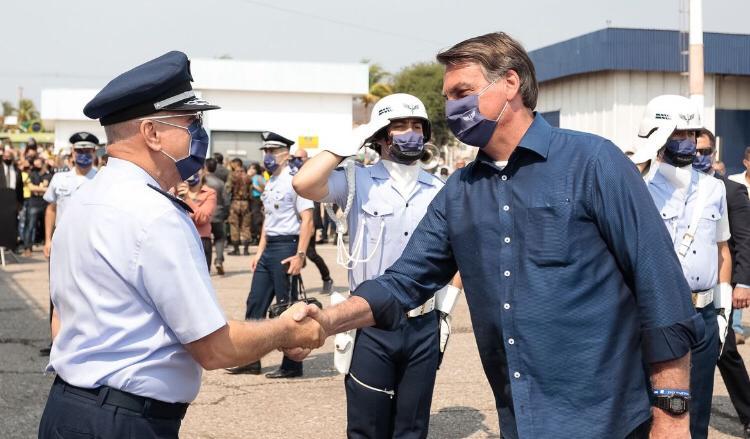 Bolsonaro inaugura radares para combate de tráfico aéreo na fronteira
