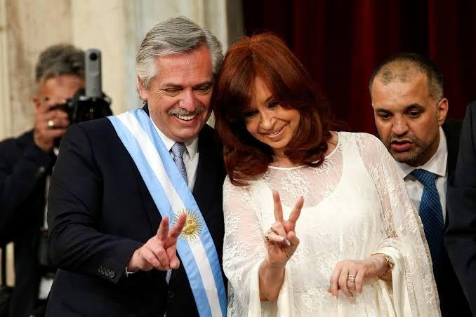 ARREPENDIDOS: ARGENTINOS SAEM AS RUAS EM MANIFESTO CONTRA O GOVERNO DE ESQUERDA