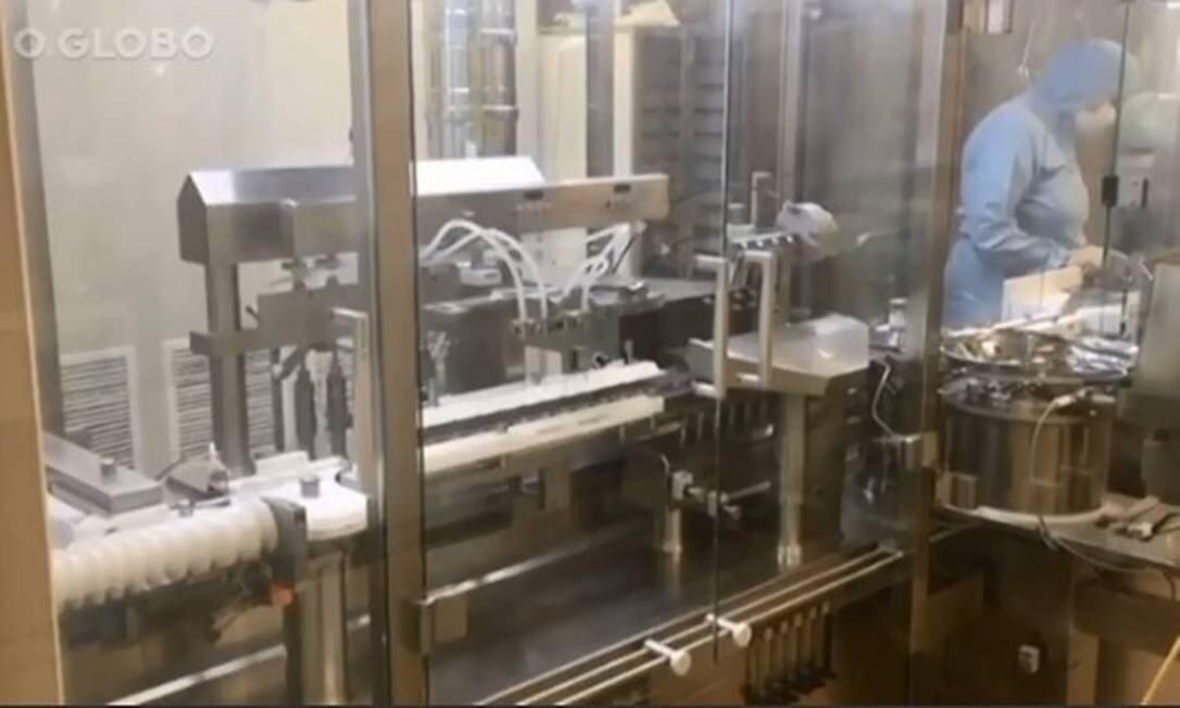 Imagens da produção de vacina contra a Covid-19 na Rússia são divulgadas pela 1ª vez