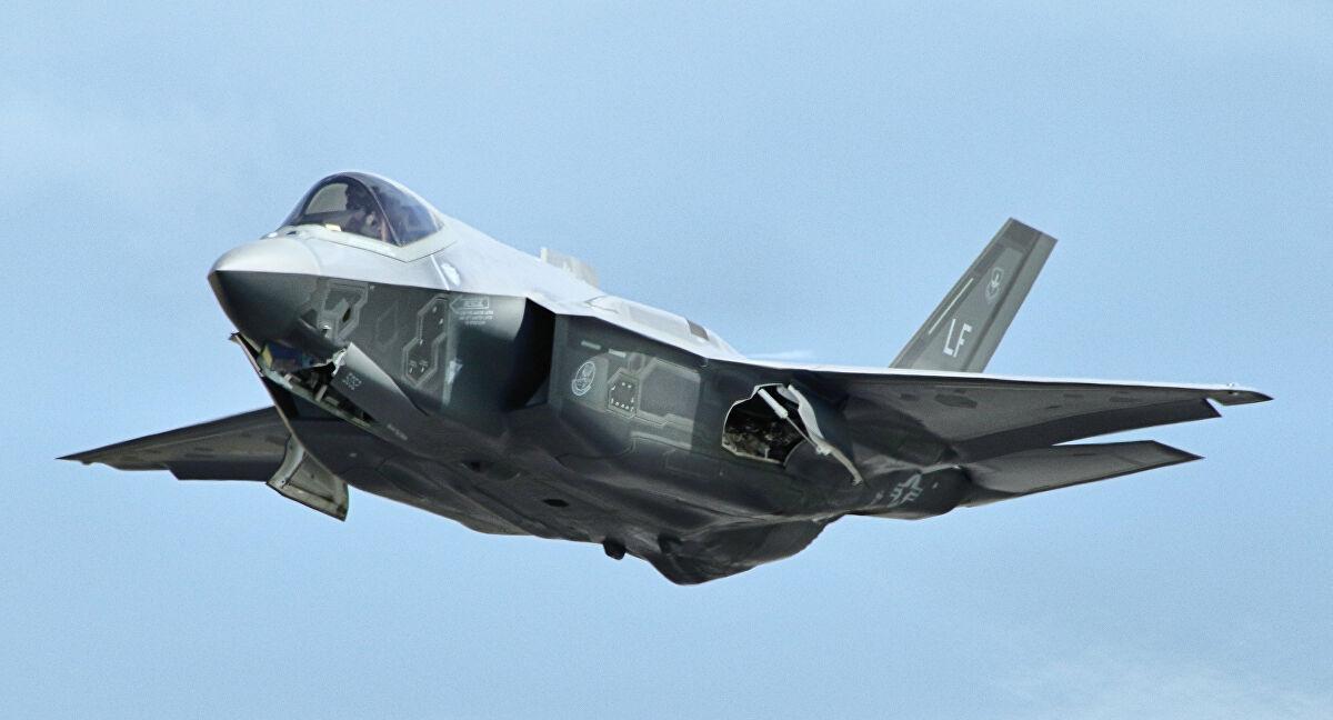 Emirados Árabes têm interesse em comprar aviões F-35 dos EUA, afirma Trump