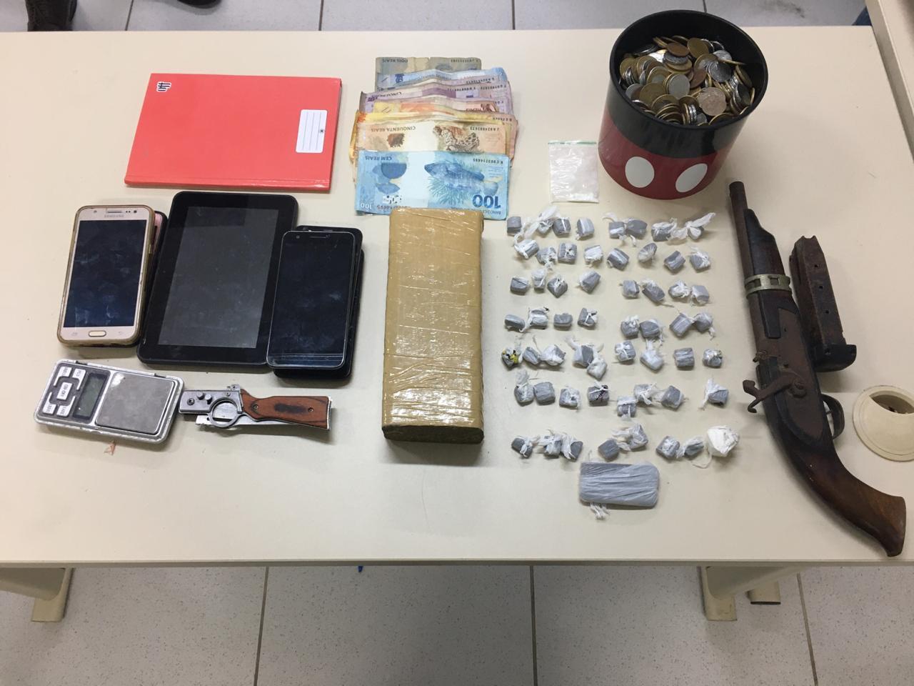 PM da reserva e filhos são presos por tráfico de drogas no RN