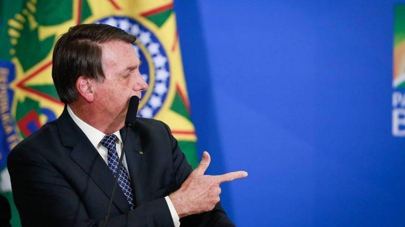 Bolsonaro revoga norma que inibia posse de arma de fogo