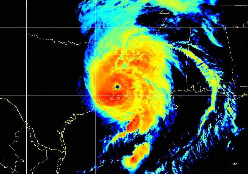 Com potencial destruidor, furacão Laura toca o solo dos Estados Unidos