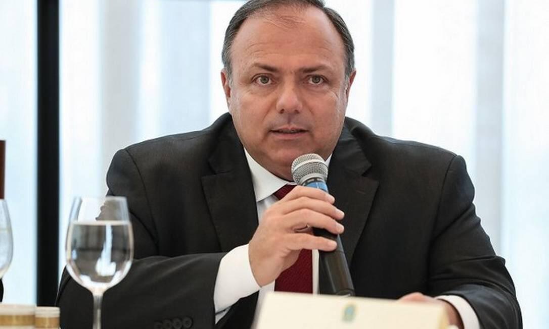 """Pazuello diz que contrato para produzir vacina de Oxford será assinado """"em poucos dias"""""""