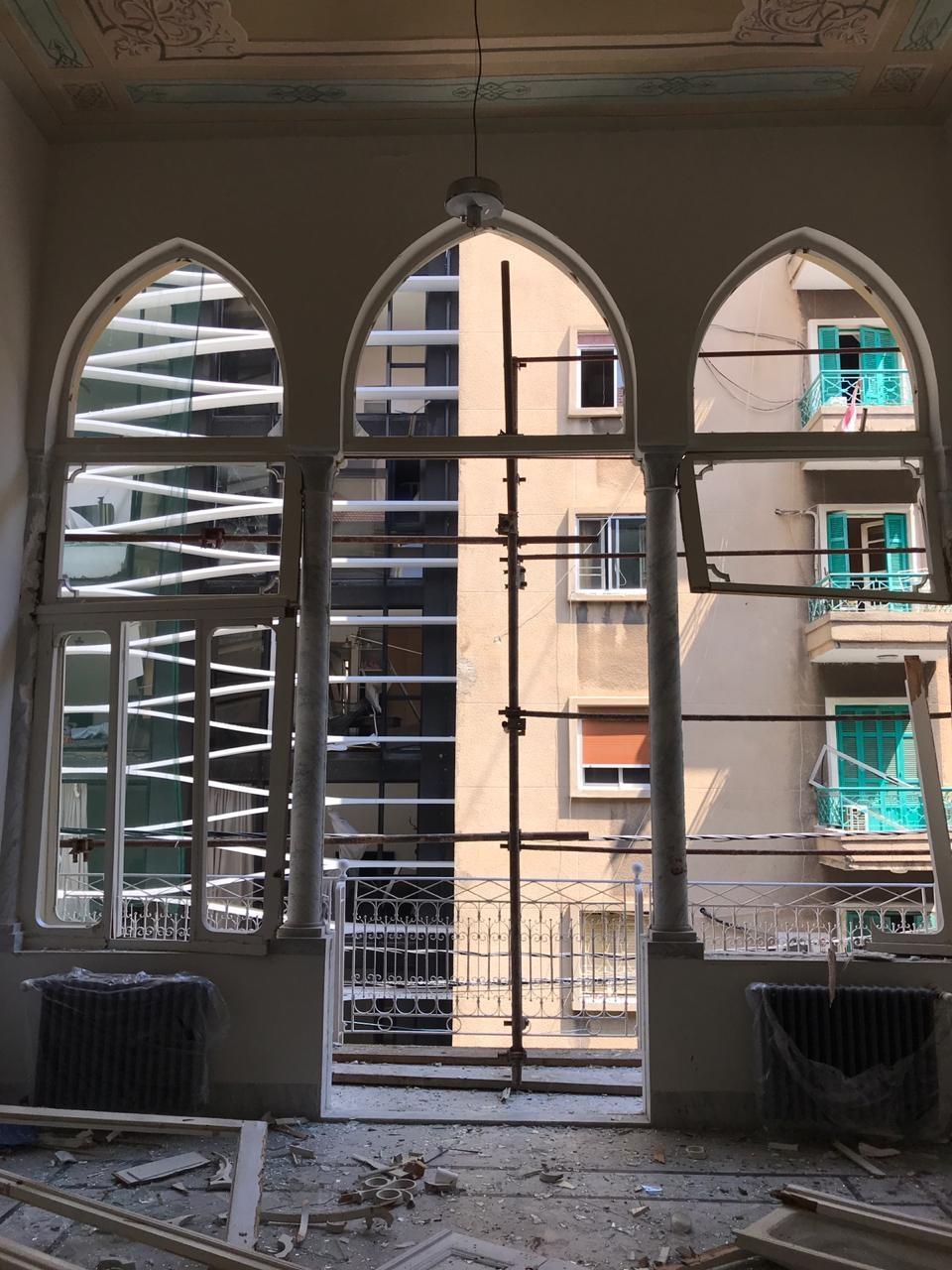 Uma semana após explosão, brasileiros retornam à embaixada em Beirute