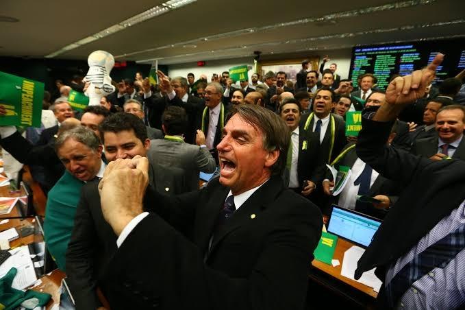 ESTRATÉGIA: COM POSSÍVEL VOLTA DE BOLSONARO AO PSL, SUA BASE NA CÂMARA FICARIA IMBATÍVEL