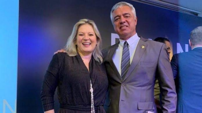 """SITUAÇÃO DIFÍCIL: JOICE HASSELMANN E MAJOR OLÍMPIO SE DESESPERAM COM POSSÍVEL VOLTA DE BOLSONARO AO PSL; """"Prefiro Lula"""""""