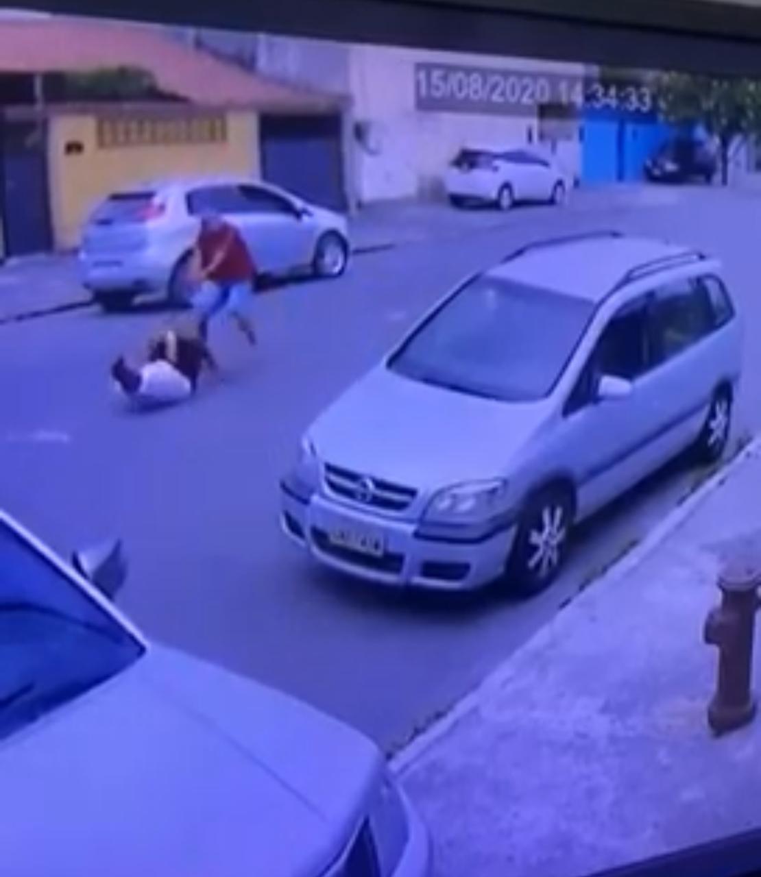 VÍDEO: Policial é morto em plena luz do dia, no Rio