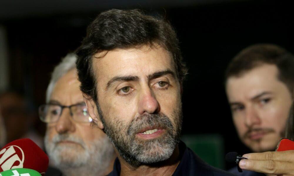 Marcelo Freixo vai pedir afastamento de André Mendonça do Ministério da Justiça