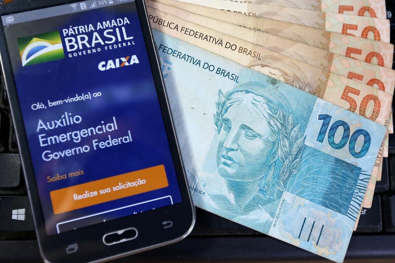 AUXÍLIO EMERGÊNCIAL: valor pago pelo Governo Bolsonaro já é equivalente a um PIB dos 100 maiores países do planeta