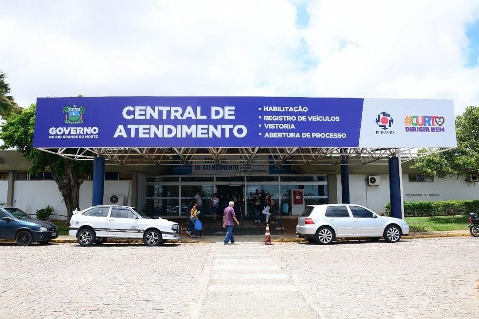 Pegadinha do Detran-RN: Motoristas pagaram taxa dos Correios para receber documento online
