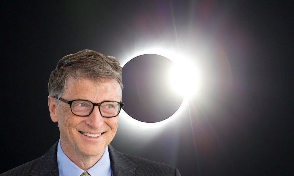 """BIZARRO: Bill Gates quer escurecer o Sol para """"salvar"""" a Terra"""