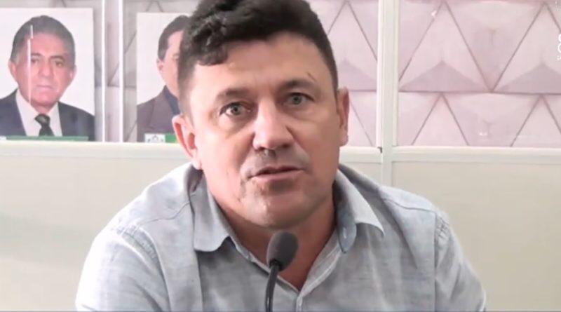 Vereador paraibano ameaça matar Bolsonaro e depois se retrata. Veja os vídeos