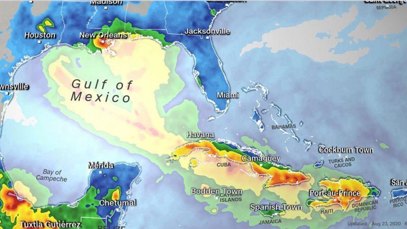 Dois furacões atingirão costa dos EUA nesta semana, provocando chuva e ventania