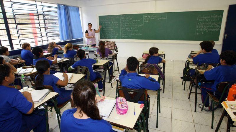 Nenhum aluno da rede estadual de São Paulo será reprovado, diz secretário