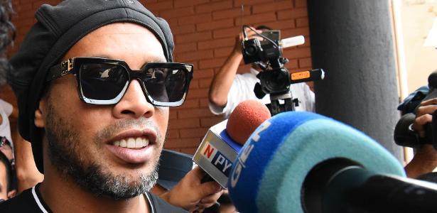 Ronaldinho Gaúcho e irmão são soltos e podem retornar ao Brasil