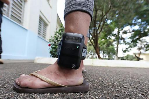 """Homem briga na Justiça para não tirar a tornozeleira eletrônica: """"foi a melhor coisa que aconteceu na minha vida"""""""