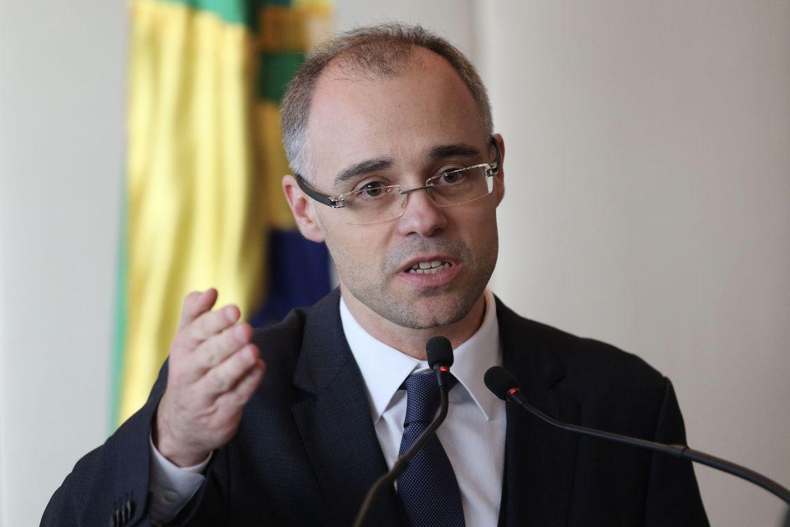 André Mendonça segue internado e apresenta 'quadro clínico estável'