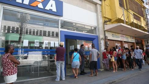 Com banco digital, Caixa deve estrear na Bolsa nos próximos meses, diz Guedes