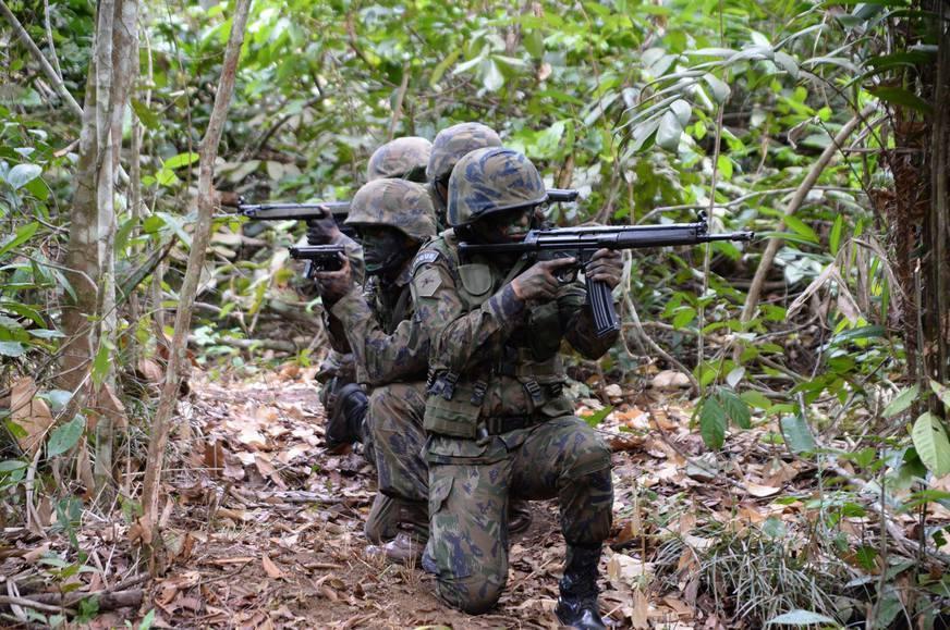 Brasil fará maior exercício militar da história na Amazônia