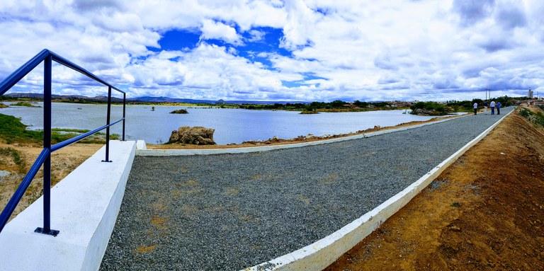 Ministro Rogério Marinho comemora recuperação de barragem em Currais Novos