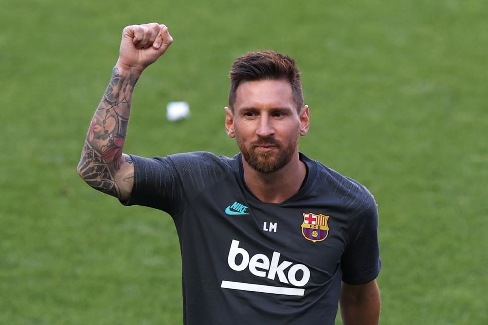 Lionel Messi iguala Cristiano Ronaldo e se torna segundo bilionário do futebol
