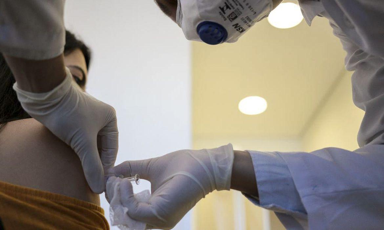 Idosos morrem na Noruega após tomarem vacina contra Covid-19; país investiga casos