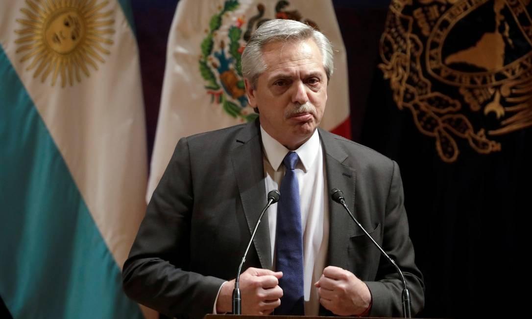 """REVEJA A TRAJETÓRIA DAS MEDIDAS """"DESASTROSAS"""" DO GOVERNO ARGENTINO QUE LEVARAM O PAÍS AO CAOS SOCIAL E SANITÁRIO"""