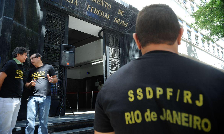 Secretária de Saúde de Magé é presa em operação que investiga desvio de R$ 9 milhões do SUS