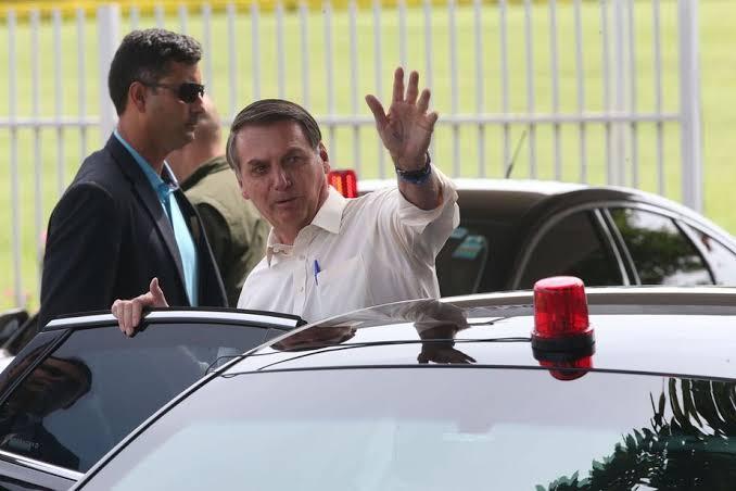 BOLSONARO VAI A HOSPITAL VISITAR MINISTRO DA JUSTIÇA ANDRÉ MENDONÇA QUE PASSOU MAL