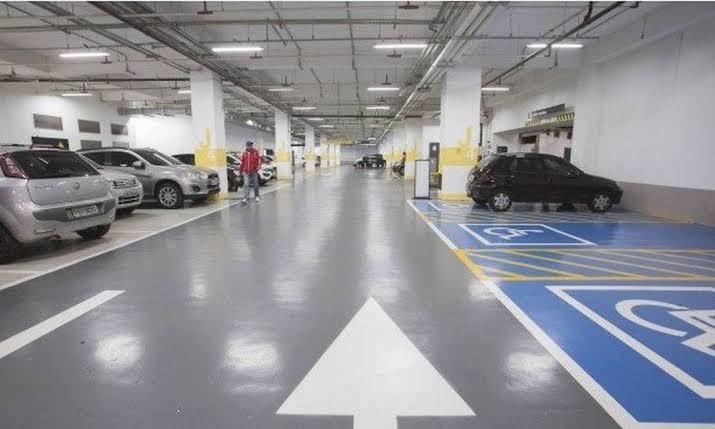 Estabelecimentos comerciais em Natal só poderão cobrar estacionamento a partir de 30 minutos