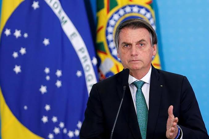 Bolsonaro rebate fake news sobre suposta facilitação do aborto