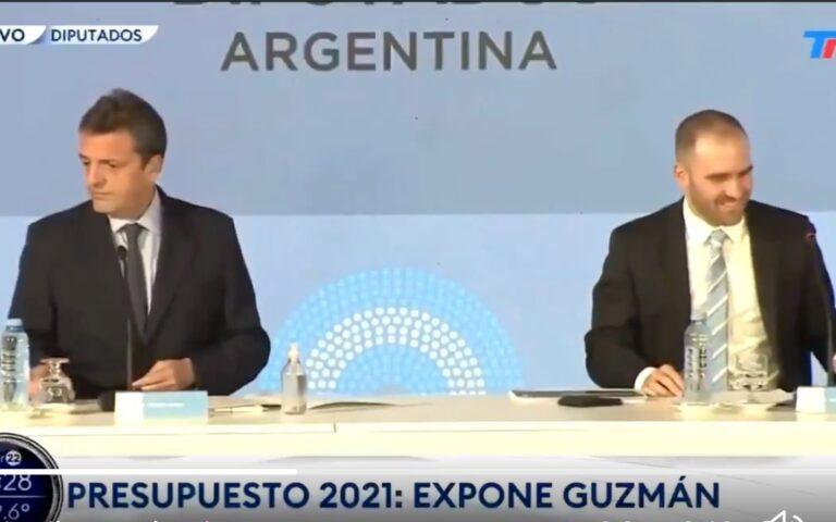"""VÍDEO: MINISTRO ARGENTINO NÃO PERCEBE MICROFONE LIGADO E DIZ QUE VAI """"COMEÇAR A ENROLAR"""" EM DISCURSO"""