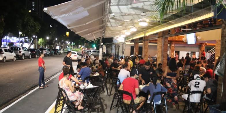Brasileiros se revoltam com governadores e prefeitos e lotam as ruas, bares e restaurantes do Brasil no feriadão de 7 de setembro