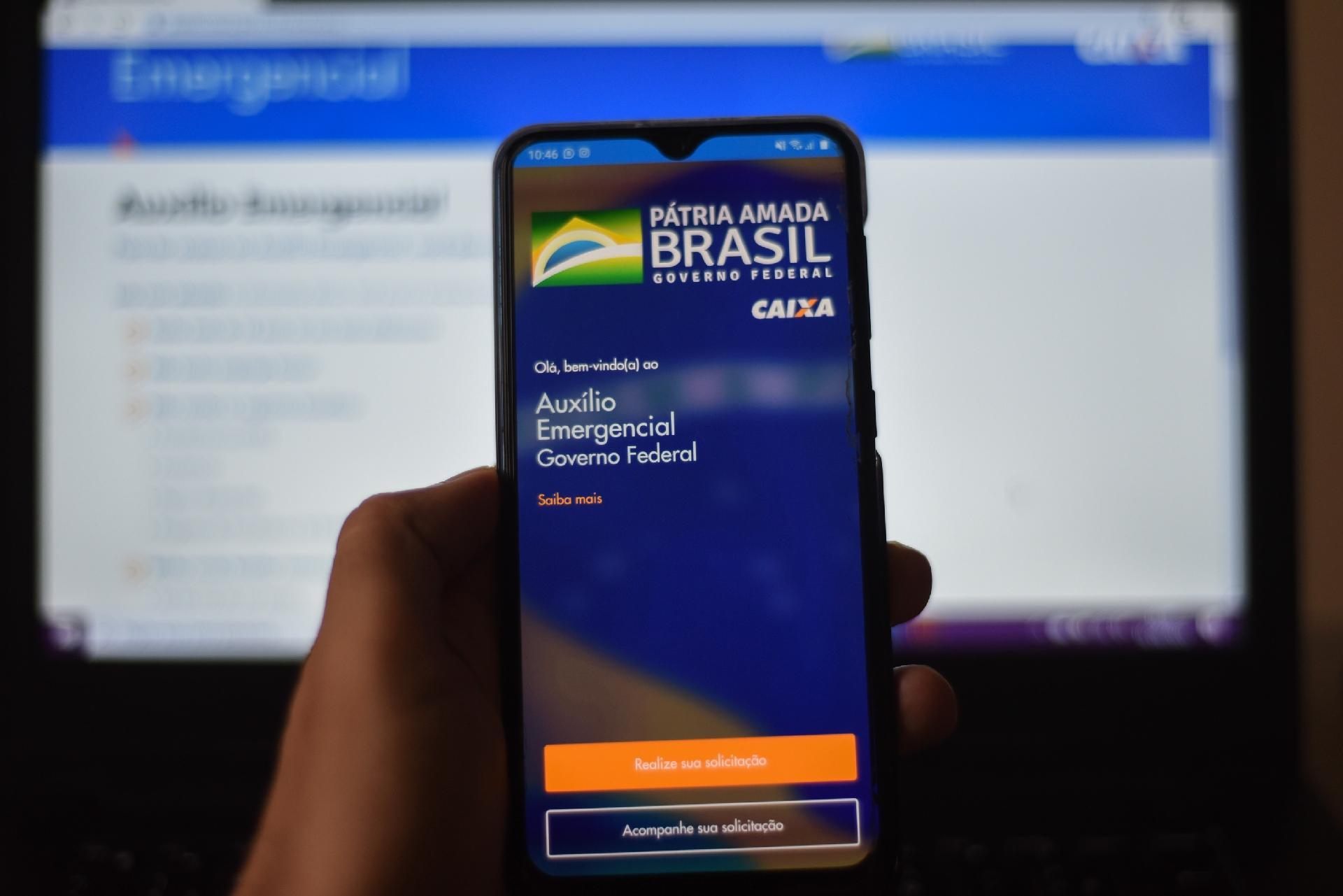 Caixa deposita auxílio emergencial a 3,4 milhões nascidos em agosto