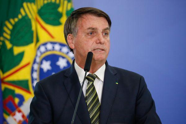 Estatal tem que ter a sua 'visão de social', diz Bolsonaro