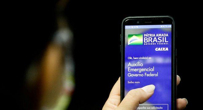 Caixa libera saque de auxílio a 3,6 milhões nascidos em outubro