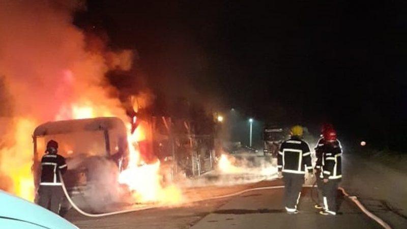 Incêndio na fábrica da Jeep em Pernambuco destruiu dezenas de veículos