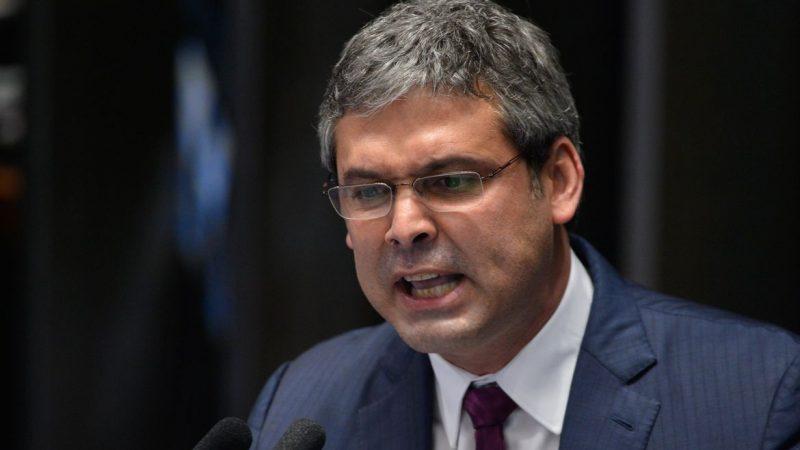 Justiça cassa candidatura de petista Lindbergh Farias para vereador do RJ
