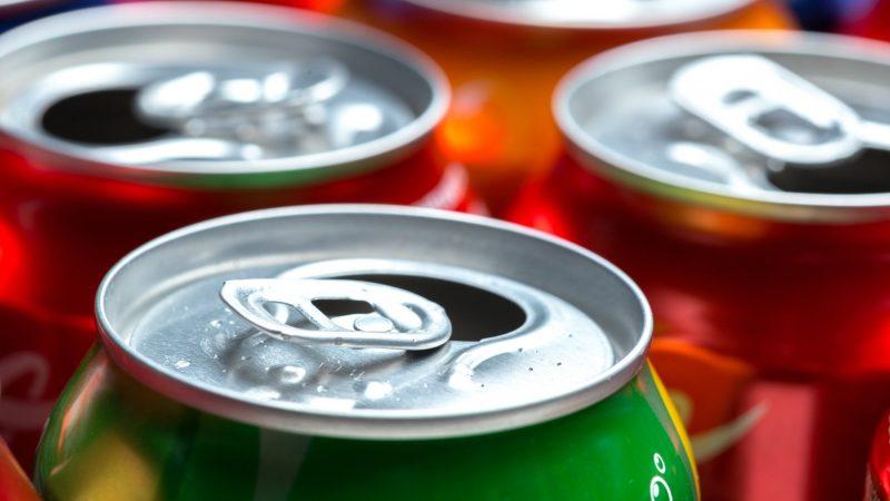 Estudo liga bebidas dietéticas a problemas cardíacos; veja o que fazer