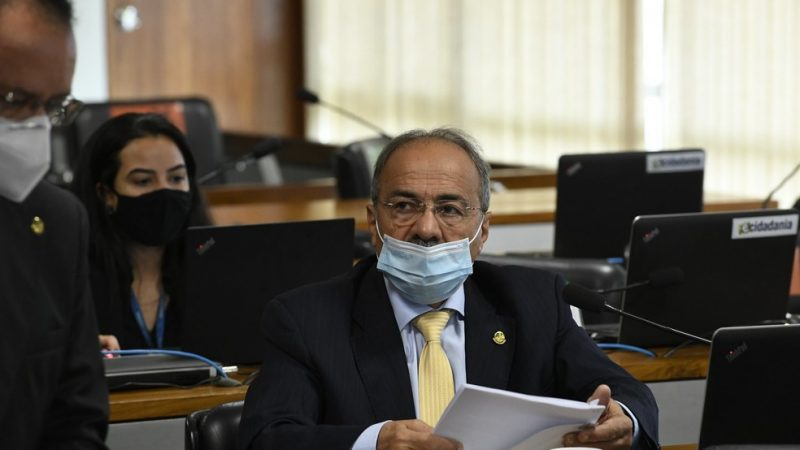 Flagrado com dinheiro na cueca, Chico Rodrigues pede afastamento do Senado por 90 dias