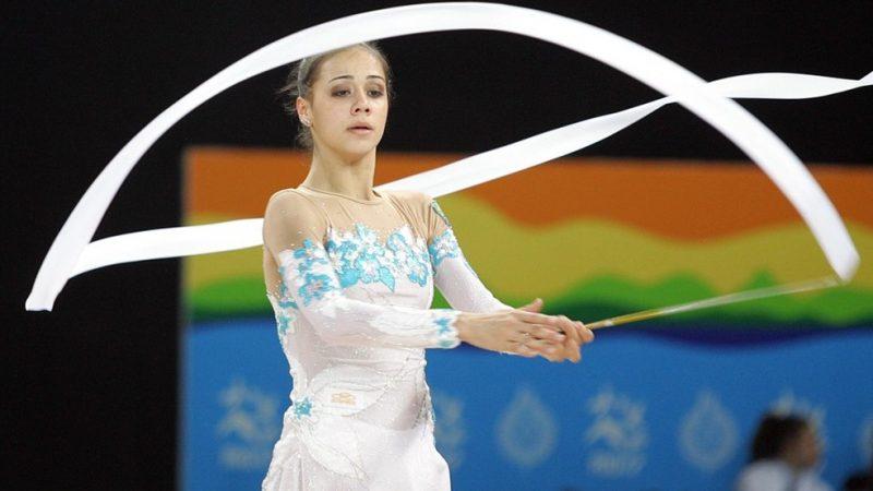 Ex-ginasta medalhista no Pan do Rio é encontrada morta em casa