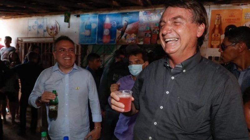 DELÍRIO: PSOL VAI ENTRAR COM AÇÃO CONTRA BOLSONARO POR HOMOFOBIA A REFRIGERANTE